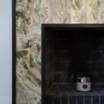 Kamin mit Marmorumrandung in Design Haus