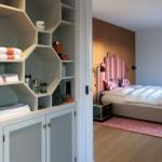 Design Schlafzimmer und Design Schrank mit Handtüchern