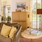 Designschrank und Designer Sofa