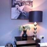 Design Tischlampe in silber und blau